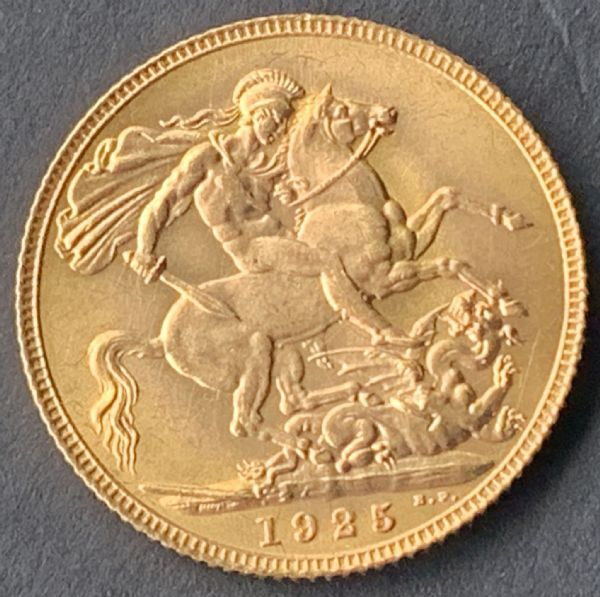 1925 Gold Sovereign London